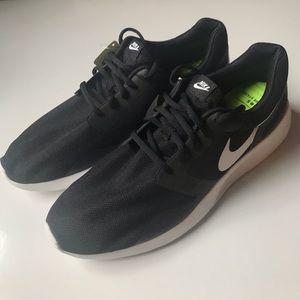 {Nike} Men's NWT black DRS tennis shoes Sz 14